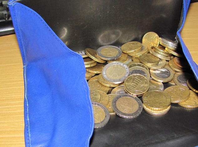 """""""Haste mal'n Euro?"""" – """"Ach, wenn's nur einer wäre!"""" Quelle: Sash"""