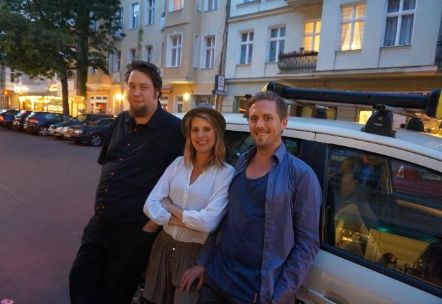 Sash, Felicitas, Tammo. Quelle: auf Autodach abgestellte Kamera.