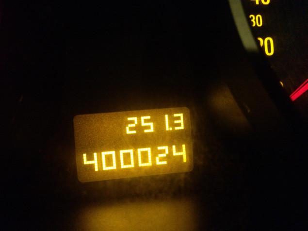 """""""Taugen die Opel was?"""" – """"Nicht wirklich. Erst 400.000 km und schon Staub auf'm Tacho!"""" Quelle: Sash"""