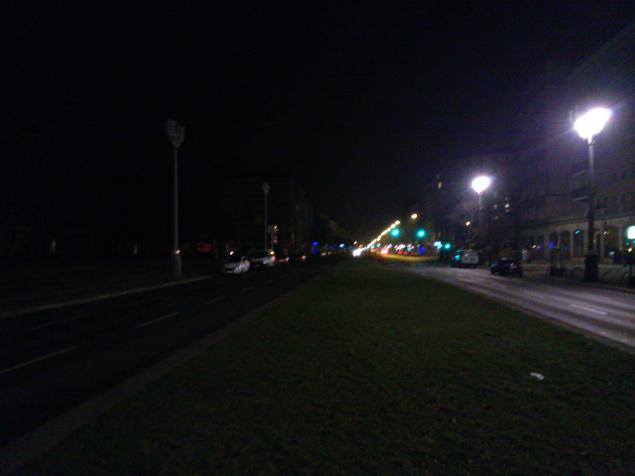 Die Frankfurter Allee gen Osten, 21.3.15, 3:50 Uhr. Quelle: Sash